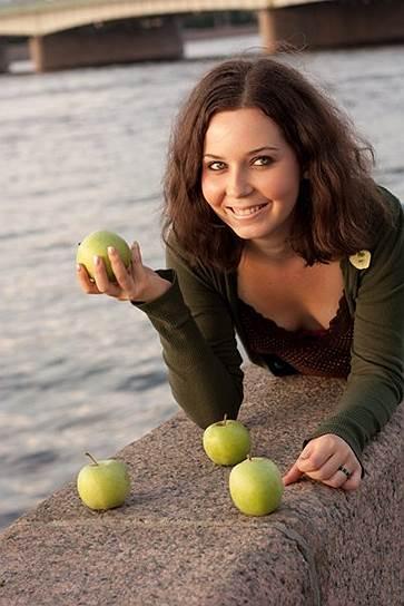 Полина Стронгина (родилась в 1990 году). Задержана в Санкт-Петербурге 26 мая 2014 года по обвинению в участии в массовых беспорядках на Болотной площади. Частично признала вину, была амнистирована 27 июня 2014 года