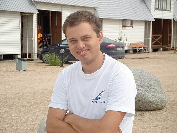 Федор Бахов (родился в 1981 году), ученый-химик. Задержан 10 мая 2012 года. Обвинялся в участии в беспорядках, от признательных показаний отказался. Амнистирован в феврале 2014 года