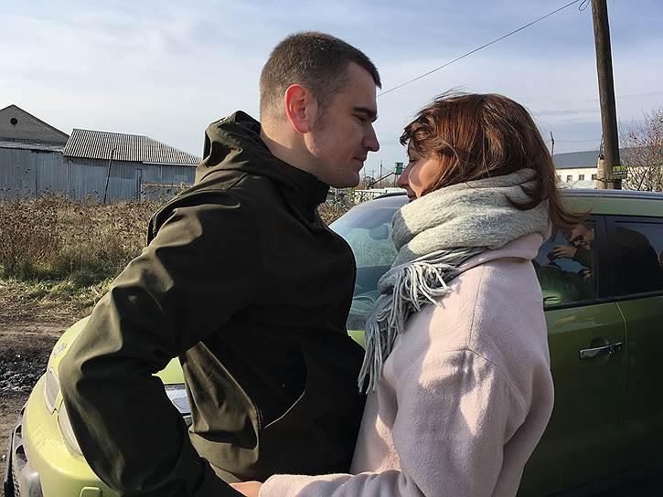 Алексей Гаскаров (родился в 1985 году). 28 апреля 2013 года его вызвали в качестве свидетеля по «болотному делу», а затем присвоили статус подозреваемого. 18 августа 2014 года был приговорен к 3,5 годам лишения свободы. 27 октября 2016 года был освобожден<br>На фото: Алексей Гаскаров с женой Анной после освобождения