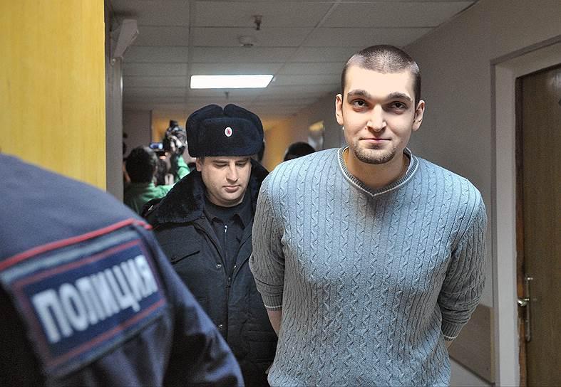 Степан Зимин (родился в 1992 году). Задержан 8 июня 2012 года. По версии следствия, попал куском асфальта по пальцу омоновцу. 24 февраля 2014 года приговорен к лишению свободы в колонии общего режима на 3 года 6 месяцев. 22 июня 2015 года Зимин вышел из колонии досрочно