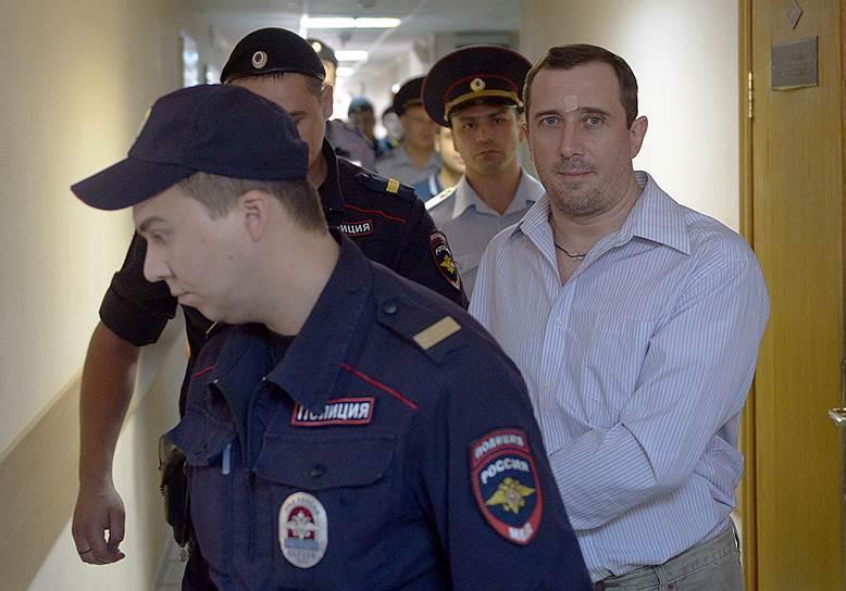 Александр Марголин (родился в 1971 году). Задержан 20 февраля 2013 года. По данным следствия, повалил сотрудника полиции на землю, нанес ему несколько ударов ногами. 18 августа 2014 года получил 3,5 года лишения свободы. Вышел на свободу 9 февраля 2016 года