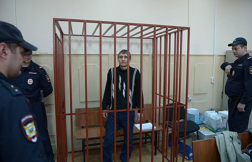 Максим Панфилов (родился в 1986 году). 8 апреля 2016 года был обвинен в участии в массовых беспорядках 6 мая и применении насилия в отношении представителей власти. 29 марта 2017 года Панфилов был приговорен судом к принудительному психиатрическому лечению в стационаре закрытого типа. 22 января 2018 года был переведен на амбулаторное лечение