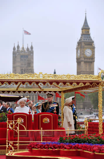 В 2012 году в честь 60-летия нахождения Елизаветы II на троне лондонский Биг-Бен был переименован в «Башню Елизаветы». В 2015 году году действующая королева стала рекордсменом по длительности правления в стране — она обошла королеву Викторию, которая провела на троне 64 года