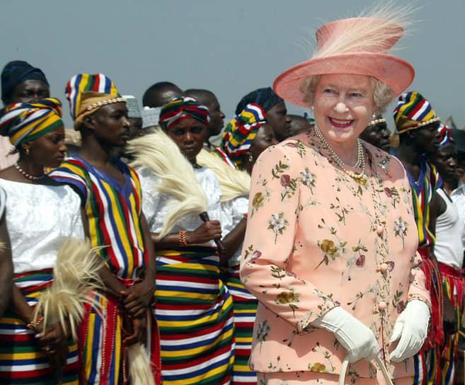 «Мы потеряли американские колонии, потому что не хватило государственной мудрости понять простую истину: не разевай рот на то, чего не сможешь проглотить»<br> В настоящее время Елизавета II является действующим монархом в 15 независимых государствах Содружества: Австралии, Антигуа и Барбуде, Барбадосе, Белизе, Гренаде, Канаде, Новой Зеландии, Папуа-Новой Гвинее, Сент-Винсент и Гренадинах, Сент-Китс и Невисе, Сент-Люсии, Тувалу, Ямайке, на Багамских и Соломоновых Островах