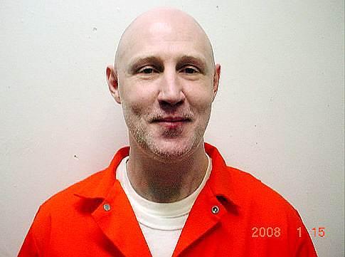 18 июня 2010 года в штате Юта впервые за 14 лет был применен расстрел: на смертную казнь за убийство адвоката в перестрелке был осужден 49-летний Ронни Ли Гарднер, который выбрал такой способ казни самостоятельно. Последние 48 часов перед смертью осужденный решил не есть из соображений «духовности»