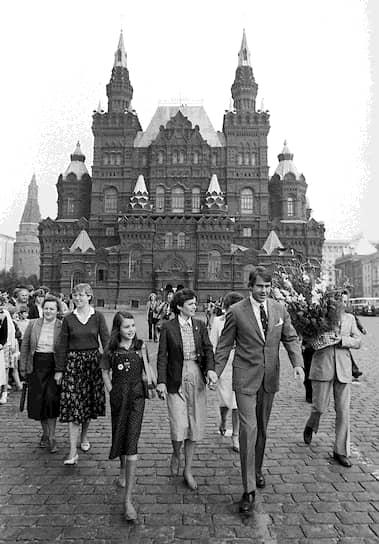 7 июля 1983 года Саманта с родителями выехала в СССР по приглашению Юрия Андропова