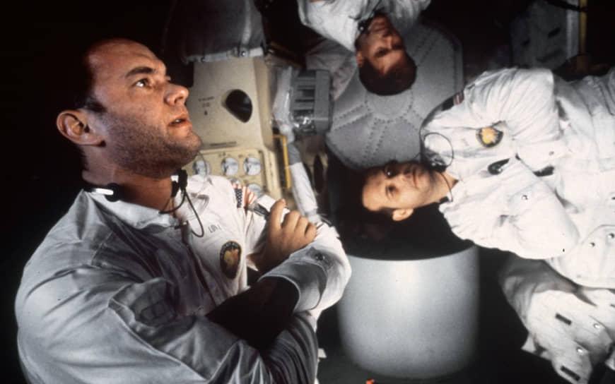 В фильме «Аполлон-13», вышедшем в 1995 году, в эпизодической роли снялся сам командир корабля Джеймс Ловелл. В финале картины он, в образе одного из офицеров на палубе корабля «Иводзима», жмет руку Тому Хэнксу, играющему его самого. Фильм собрал в прокате более $350 млн при бюджете в $62 млн
