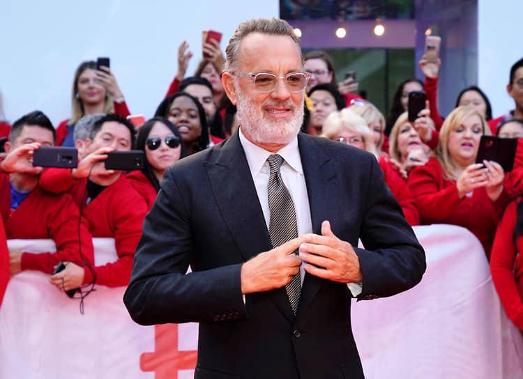 Несмотря на то, что пик популярности Тома Хэнкса пришелся на 1990-е годы, актер продолжает активно сниматься. Только в 2020 году вышли три фильма с его участием: «Борат 2», «Грейхаунд» и «Новости со всех концов света»