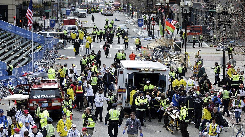 Два взрыва с интервалом в 12 секунд прогремели во время Бостонского марафона 15 апреля 2013 года. В результате погибли три человека и пострадали более 280