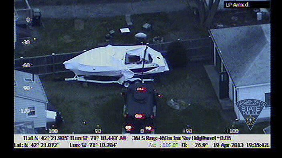 Вечером 19 апреля 2013 года Джохар Царнаев был задержан в Уотертауне. Он укрылся во дворе дома, забравшись в моторную лодку, стоявшую во дворе. Убежище Джохара Царнаева было обнаружено с помощью инфракрасной камеры FLIR на полицейском вертолете. После перестрелки с сотрудниками ФБР им удалось проникнуть внутрь лодки и извлечь раненого Царнаева из нее. Он был доставлен в больницу в критическом состоянии