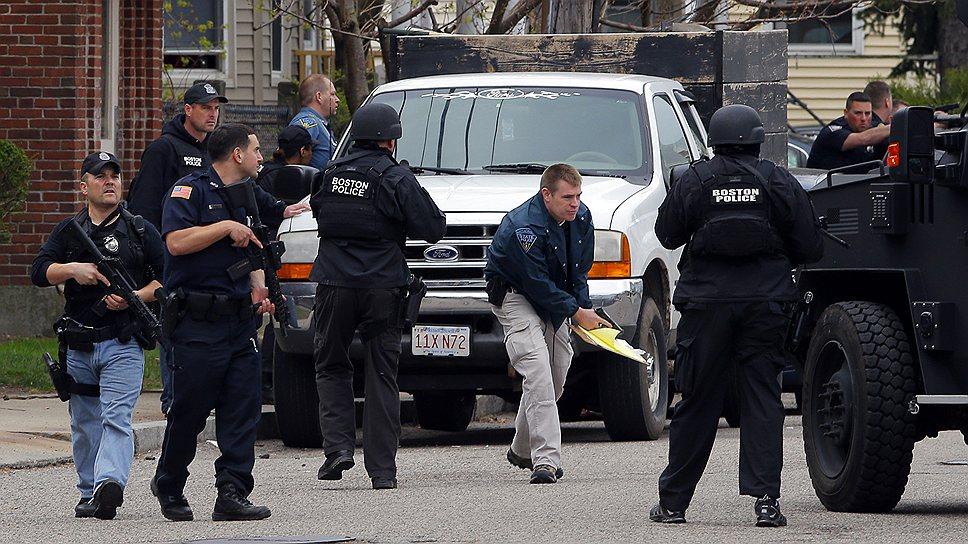 В связи с терактом во всех крупных городах США был повышен уровень террористической угрозы и приняты повышенные меры безопасности