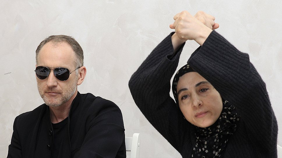 Отец обвиняемых Анзор Царнаев и мать Зубейдат Царнаева на открытой пресс-конференции заявили, что их детей подставили и они намерены бороться за Джохара Царнаева до конца