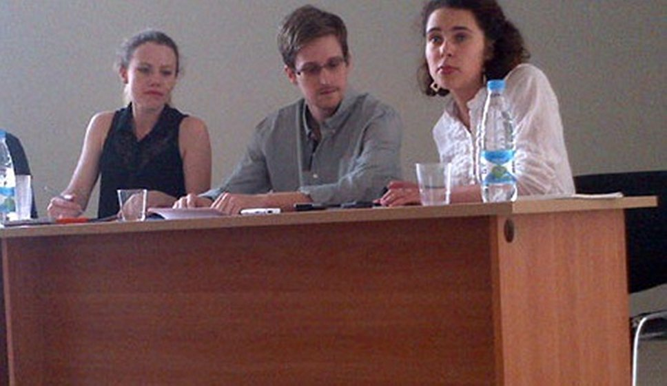 Как Эдвард Сноуден встретился с российскими правозащитниками