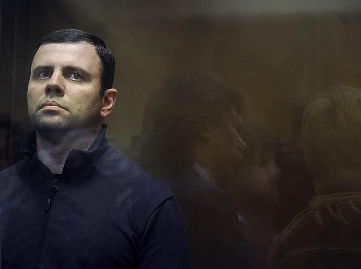 В сентябре 2011 года мэр Смоленска Константин Лазарев и его заместитель Николай Петроченко были задержаны по подозрению в многомиллионных поборах, собранных от коммерческих структур за получение подрядов, связанных с подготовкой города к 1150-летнему юбилею. В феврале 2014 года господин Лазарев был оправдан