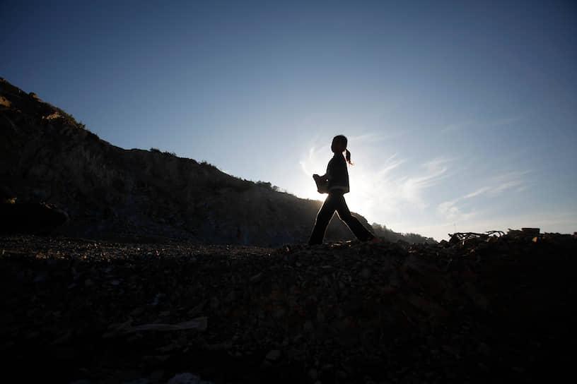 Борьба с эксплуатацией детей продолжается с переменным успехом уже более двух сотен лет, но искоренить ее до сих пор удавалось лишь в тех странах, где полностью завершилась промышленная революция