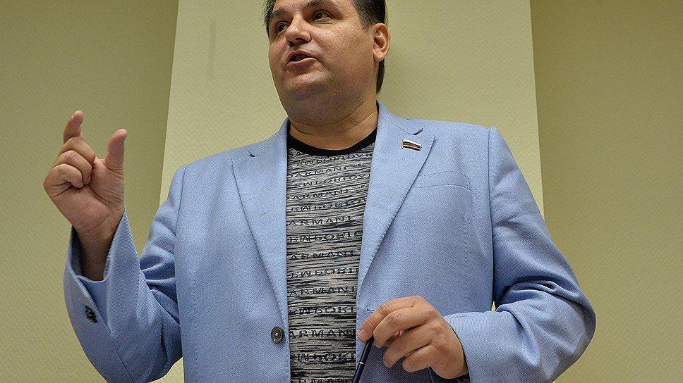 Как Олег Михеев пошел на мировую