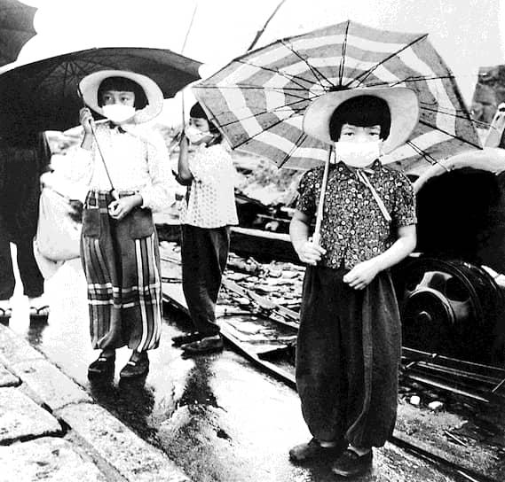 Японцы, пострадавшие в результате бомбежки, превратились в касту неприкасаемых, которым было сложно устроиться на работу или создать семью