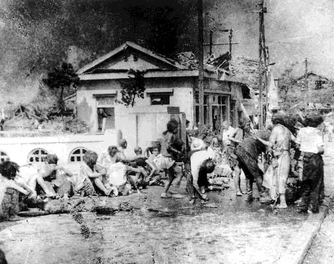 После бомбардировок Хиросимы и Нагасаки в официальных документах Японии появился термин «хибакуся» — пострадавший от бомбежки