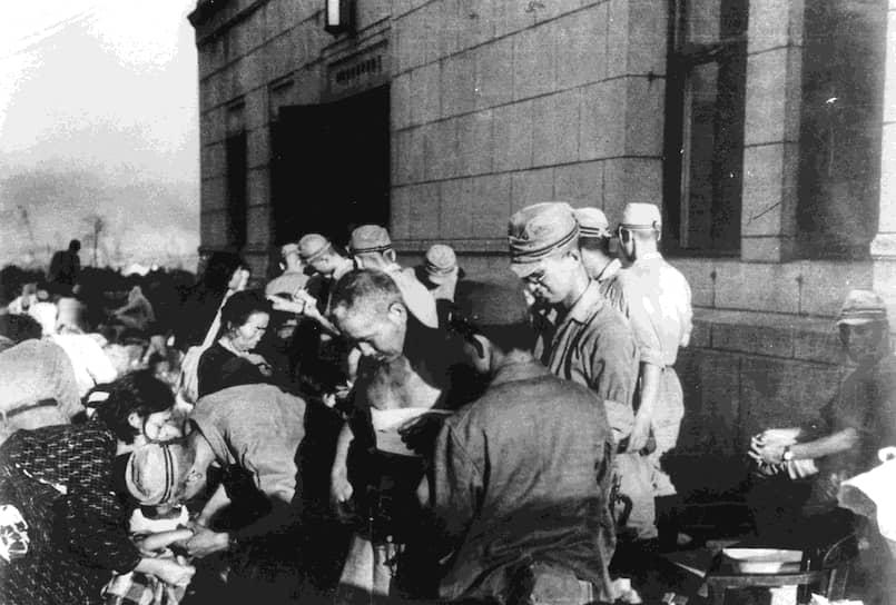 Уровень смертности от облучения в Хиросиме достиг своего пика через три-четыре недели после взрыва и начал снижаться лишь семь-восемь недель спустя