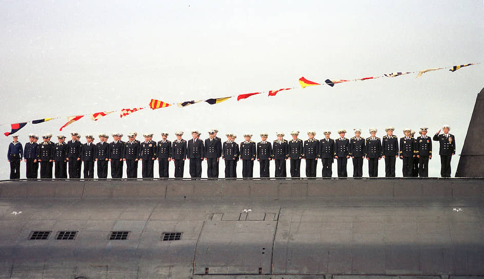Атомная подлодка К-141 «Курск» затонула во время учений 12 августа 2000 года. Все 118 членов экипажа, находившиеся на борту, погибли. По количеству жертв авария стала второй в послевоенной истории отечественного подводного флота (после взрыва боезапаса на подлодке Б-37 в 1962 году, унесшего жизни 122 человек)