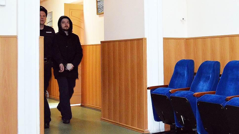 От полученных ранений на месте скончались служащая храма монахиня Людмила (Пряшникова) и прихожанин собора. Еще семь человек были ранены и госпитализированы. В апреле этого года суд приговорил Комарова к 24 годам в колонии строгого режима
