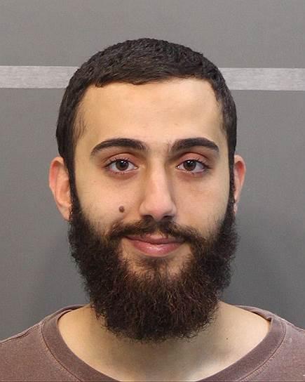 16 июля 2015 года 24-летний уроженец Кувейта Мухаммед Юзеф Абдул-Азиз открыл стрельбу в комплексе ВМС в Чаттаунуге. В результате погибли пятеро морских пехотинцев США. Злоумышленник был ранее уличен властями в вождении в нетрезвом виде и употреблении марихуаны. Также во время задержания на его лице были замечены следы «некого белого порошка». Мотивы преступления до сих пор выясняются