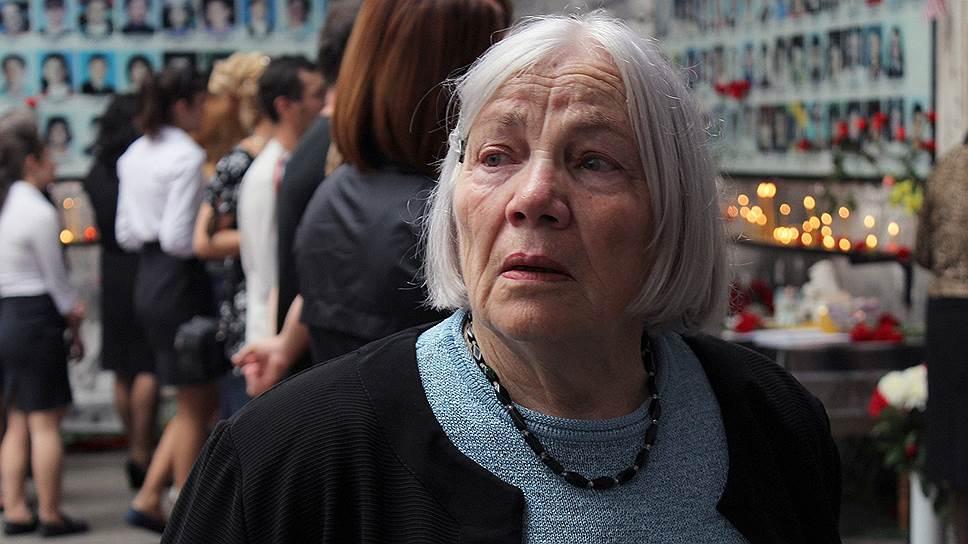 Зарема Дзуцева. Потеряла племянницу  Алену Дзуцеву-Татрову (28 лет)