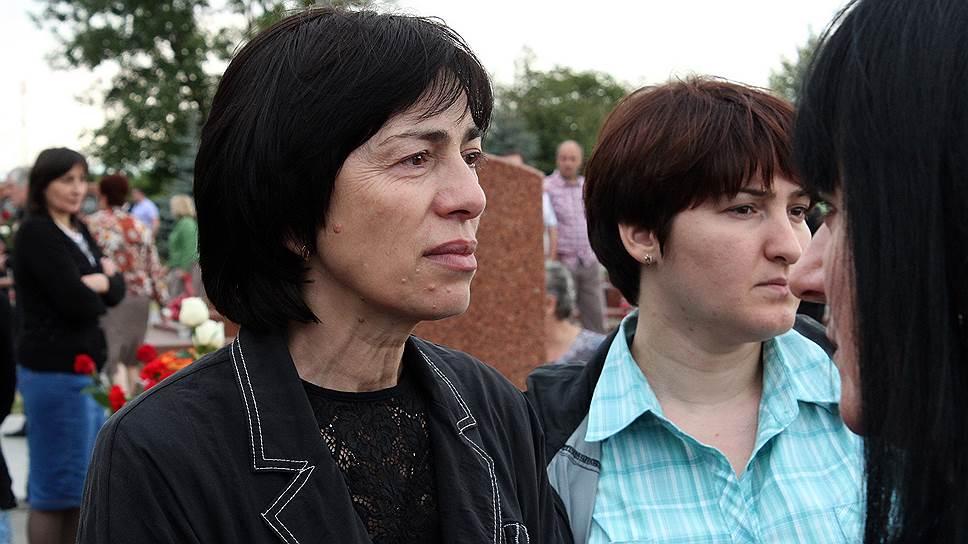 Рита Сидакова. Во время штурма потеряла дочь Аллу Дудиеву, которой было девять лет