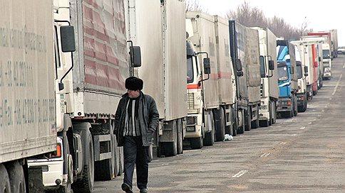 Литва пожаловалась в ЕС на российскую таможню  / Ущерб литовских перевозчиков на российской границе исчисляется миллионами евро