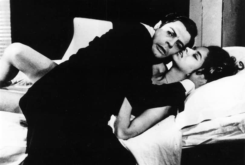 «Я никогда не считал женщин — я их только любил!» В 1950 году Марчелло Мастроянни женился на итальянской актрисе Флоре Карабелле, в браке с которой актер прожил много лет, несмотря на многочисленные романы