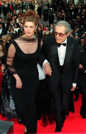 «Я обожал мать этого ребенка» В возрасте 46 лет Марчелло Мастроянни влюбился в актрису Катрин Денев. В течение нескольких лет актер разрывался между Римом и Парижем, однако французская кинозвезда так и не согласилась стать его женой, даже после рождения в 1972 году их дочери Кьяры (на фото)