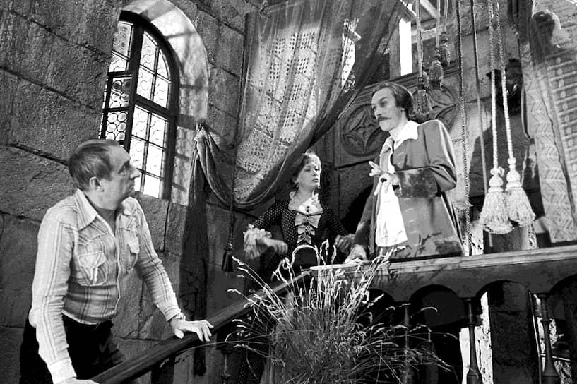 Также занимался кинорежиссурой. Поставил фильмы: «12 стульев» (1976), «Обыкновенное чудо» (1978), «Тот самый Мюнхгаузен» (на фото, 1979), «Дом, который построил Свифт» (1982), «Формула любви» (1984) и другие