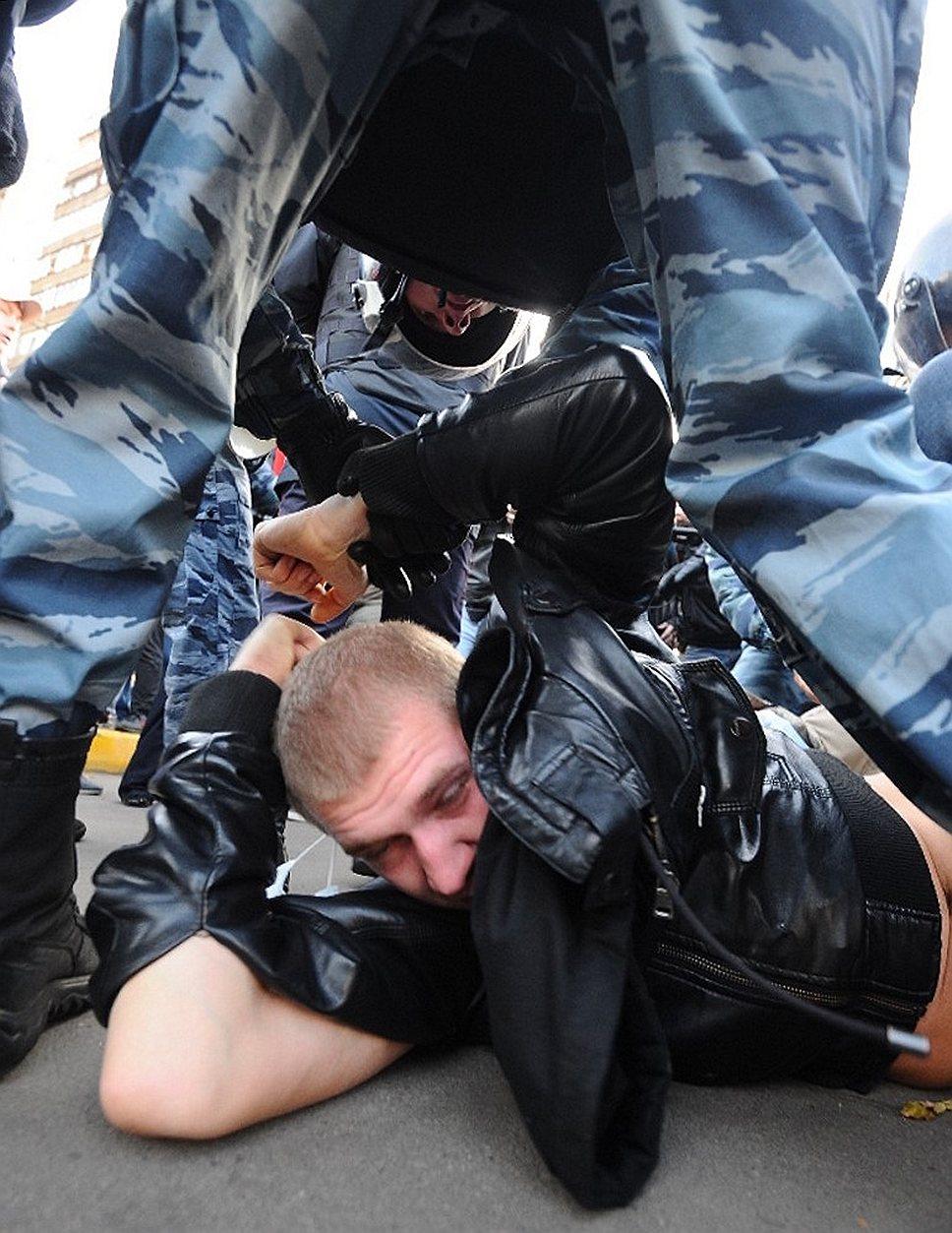 В микрорайоне Бирюлево-Западное произошло столкновение местных жителей и выходцев с Кавказа, госпитализированы пятеро