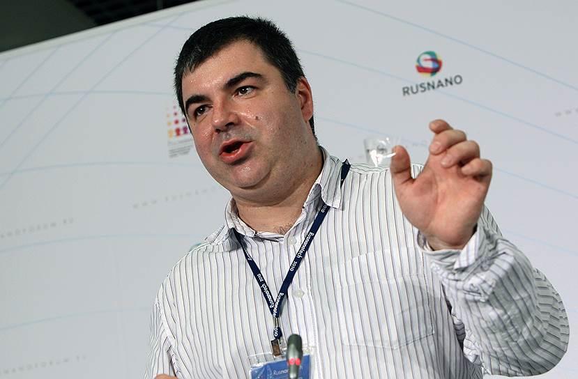2010 год. Нобелевская премия в области физики присуждена российскому и британскому физику Константину Новоселову «за новаторские эксперименты по исследованию двумерного материала графена»