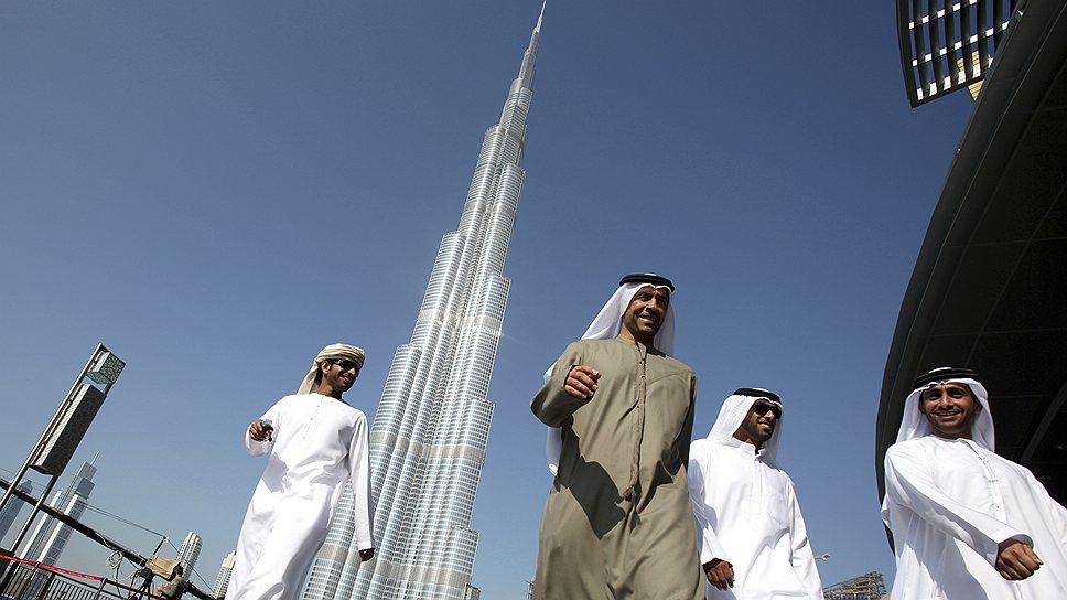 Burj Khalifa в Дубаи — самое высокое здание в мире. 163 этажа высотой в 828 м занимают отель Armani, офисы и 900 квартир. Строительство небоскреба завершилось в 2010 году, тогда апартаменты на верхних этажах небоскреба в среднем стоили около $2 млн, при цене за квадратный метр до $10 тыс.