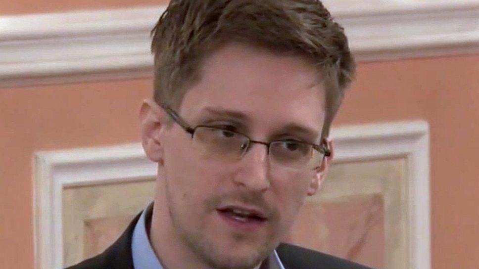 Как Эдвард Сноуден нашел работу в России