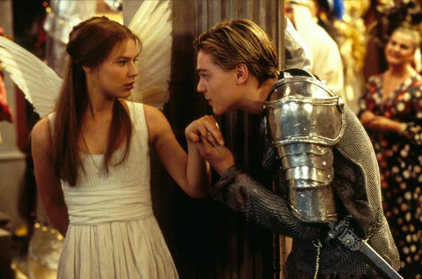 В 1996 году актер сыграл Ромео в экранизации шекспировской трагедии База Лурманна: «Я долго размышлял над тем, получится ли у меня сыграть Ромео. Но потом я увидел Киану Ривза в фильме «Много шума из ничего» и решил, что если уж он смог сыграть в шекспировском фильме, то мне вообще не о чем беспокоиться»