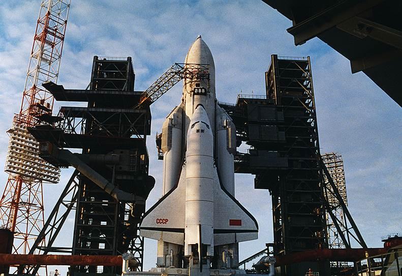 1982 год. Закончился первый и последний 205-минутный космический полет «Бурана»