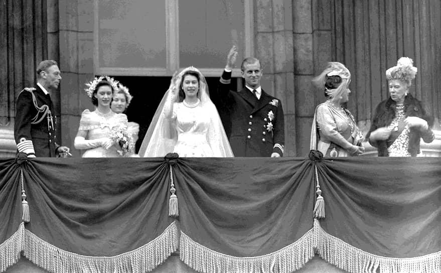 Церемония бракосочетания будущей королевы Великобритании Елизаветы и Филиппа Маунтбеттена, получившего позднее титул герцога Эдинбургского, состоялась 20 ноября 1947 года в Вестминстерском аббатстве. Елизавета стала десятым членом королевской семьи, сочетавшимся браком в аббатстве. Принц Филипп был внуком короля Греции Георга I, племянником короля Греции Константина I, праправнуком российского императора Николая I. При рождении он получил титулы принца Греческого и Датского