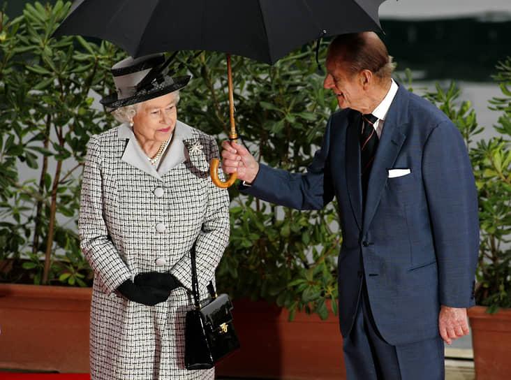В 2007 году Елизавета и Филипп отпраздновали бриллиантовую свадьбу. Церемония, посвященная 60-летию их брака, прошла в Вестминстерском аббатстве, а затем супруги отправились на Мальту