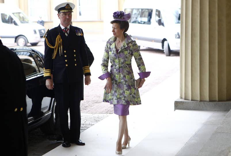 Принцесса Анна, единственная дочь Елизаветы II и принца Филиппа, появилась на свет 15 августа 1950 года. В 1976 году в Монреале на Олимпийских играх она выступала на соревнованиях по конному спорту