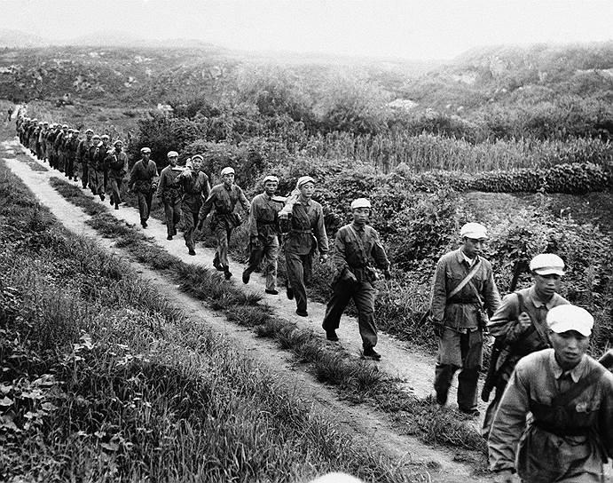 1950 год. Корейская война: китайская армия начала свое первое крупное наступление, следствием которого стало тяжелое поражение войск ООН