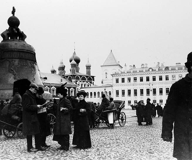 1735 год. После полутора лет подготовительных работ отлит Царь-колокол —  памятник русского литейного искусства XVIII века