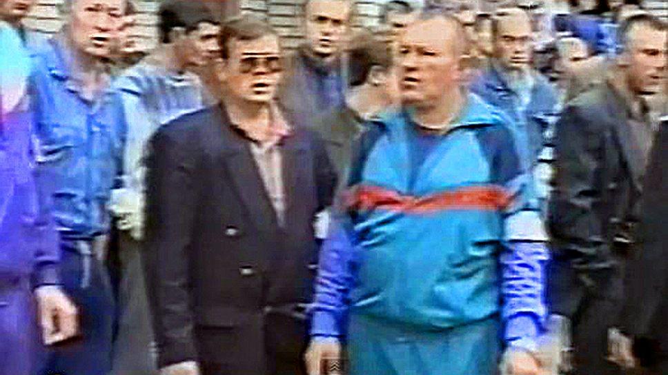 Группировка возникла, когда бывший водитель заместителя рязанского городского прокурора Николай Максимов по прозвищу Макс (на фото слева) и таксист Вячеслав Ермолов (Слон) решили заняться в городе организацией игры в наперстки