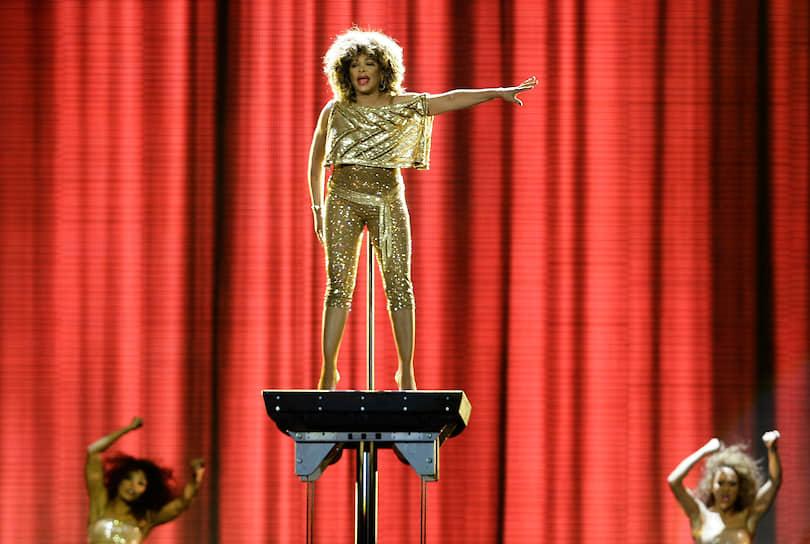 В 2005 году Тина Тернер наряду с экс-премьером Великобритании Маргарет Тэтчер была провозглашена  «Женщиной года». Певица была награждена за значительный вклад в развитие музыки в мире. По словам Тернер, она особенно была рада получить награду в Лондоне, «городе, близком сердцу»