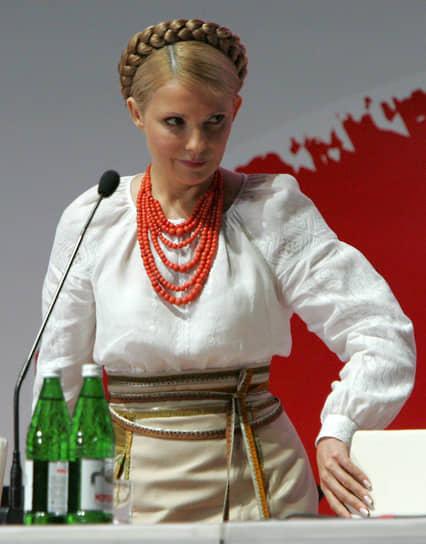 «Но сегодня вы никого не заманите на место премьера. Ибо это не кресло, а электрический стул»,— говорила госпожа Тимошенко в июле 2009 года