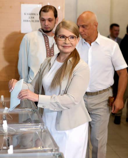 На внеочередных выборах в Верховную раду в июле 2019 года Юлия Тимошенко была переизбрана народным депутатом. Ее партия «Батькивщина» заняла третье место, получив 8,18% голосов избирателей. В сентябре 2020 года сообщалось, что политик тяжело переболела коронавирусом