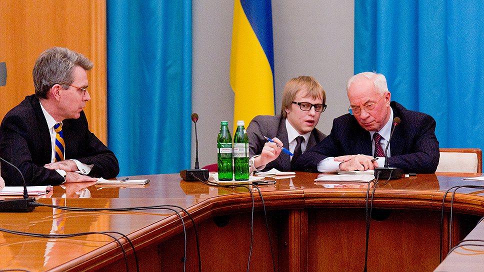 Почему Вашингтон и Киев разошлись в трактовке протестов на Украине