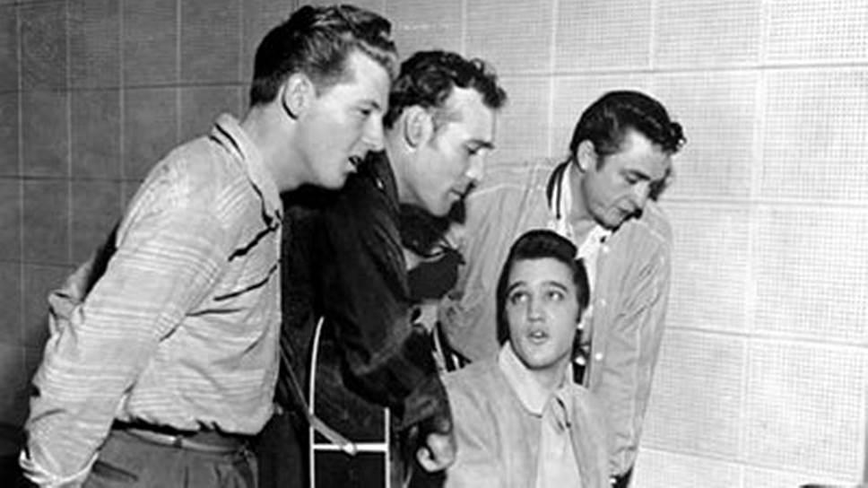 1956 год. Элвис Пресли, Джерри Ли Льюис, Карл Перкинс и Джонни Кэш в студии звукозаписи в Мемфисе (Теннесси, США) записали джем-сейшн «Квартет на миллион долларов»