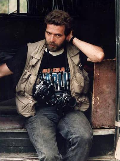 Фотожурналист Андрей Соловьев, сотрудничавший с ТАСС и АР, был убит выстрелом во время боя у Дома правительства в Сухуми (Абхазия) 27 сентября 1993 года